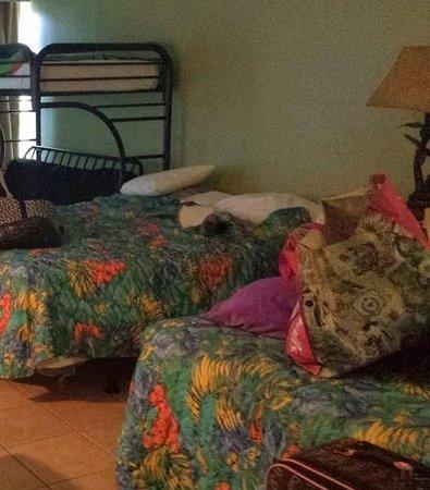 Boardwalk Beach Resort Hotel & Convention Center: 2 Double Beds & Futon w/ Bunk Bed