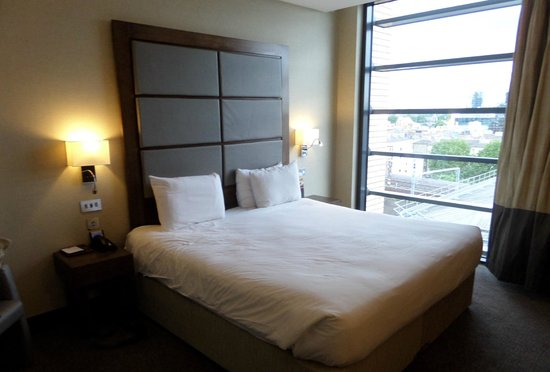 Grange Tower Bridge Hotel: Ordinary hotel room