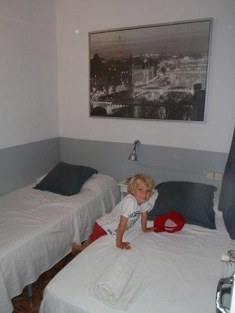 Hostalet Barcelona: Room