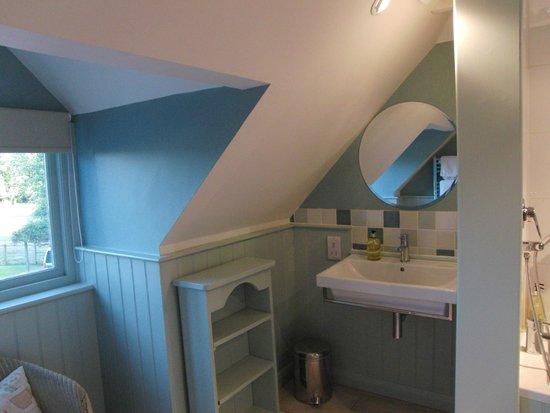 Quidhampton Mill Bed & Breakfast: Un angolo del bagno