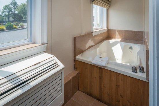 Quality Inn & Suites : whirpool
