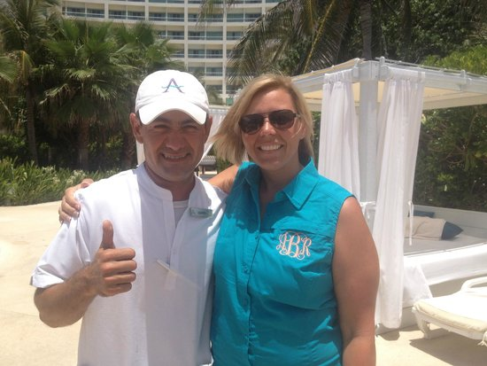 Live Aqua Beach Resort Cancun: David, our pool server. He was fast and friendly!
