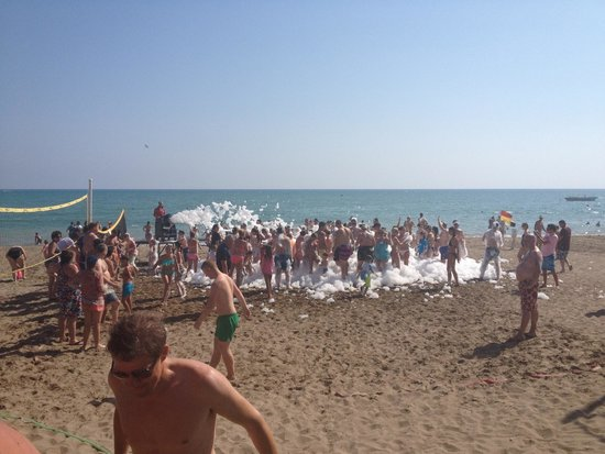 Paloma Grida Resort & Spa : Hotel foam party