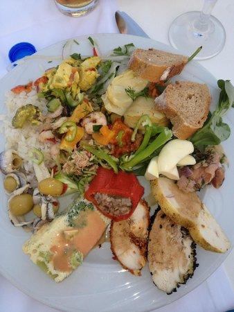 Paloma Grida Resort & Spa : A selection from main buffet