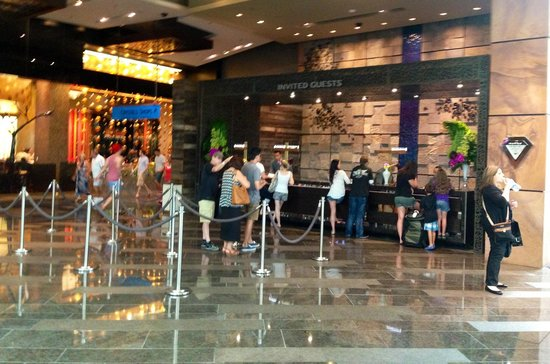 ARIA Sky Suites: The check in line @ Invited Guests