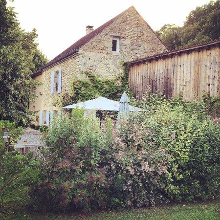 La Colline d'Orance Bed and Breakfast: La maison