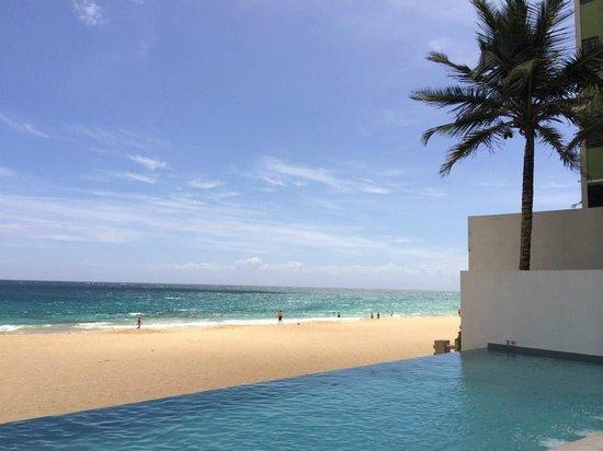 La Concha Resort: A Renaissance Hotel: Adults only infinity pool