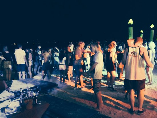 Ark Bar Beach Resort : ARK BAR BEACH PARTY