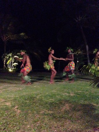 Uprising Beach Resort: Evening entertainment