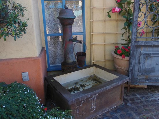 Petit Soleil, Bed and Breakfast: In the courtyard
