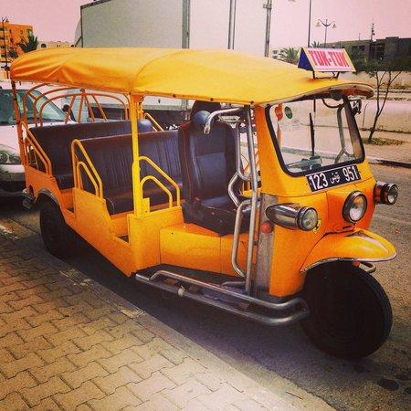 Hotel Diar Lemdina : TUK TUK ( taxi)