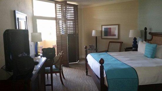 Hilton Aruba Caribbean Resort & Casino: King room. Garden view