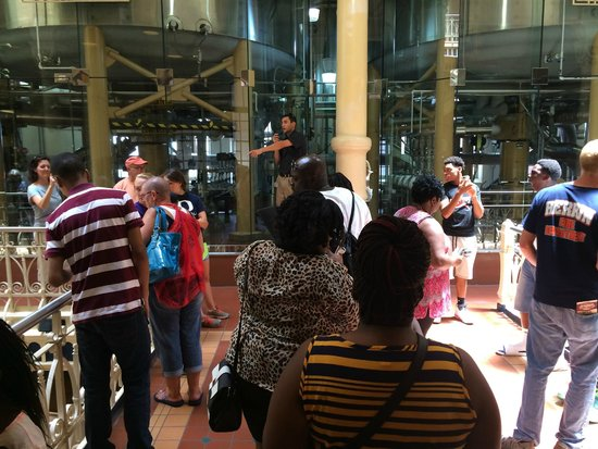 Budweiser Brewery Experience : Lots of people