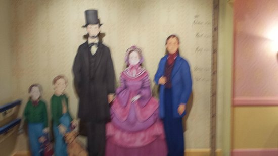 "Abraham Lincoln Presidential Library and Museum: Lots of ""figures"""