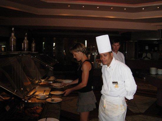 Golden 5 Paradise Resort: ресторан