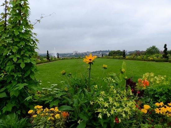 Jardins de l'Eveche: Variety and views found at Limoges gardens