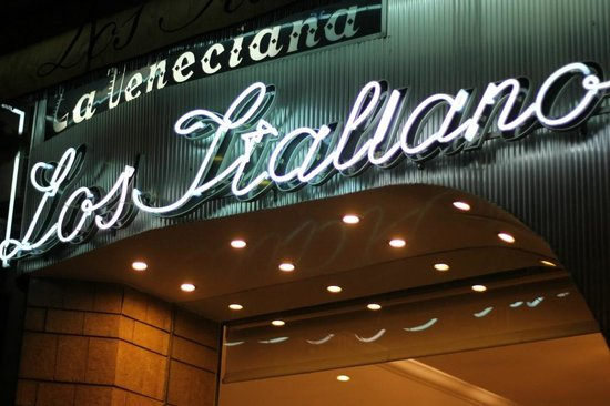 Heladería los Italianos: cult following