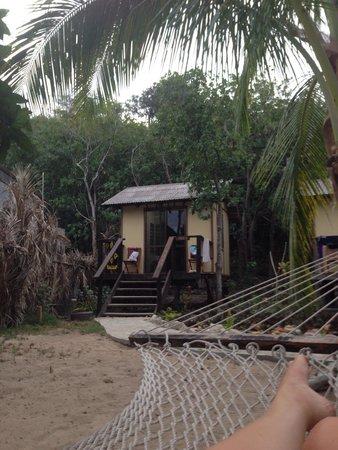 Mantaray Island Resort: Our beach bure