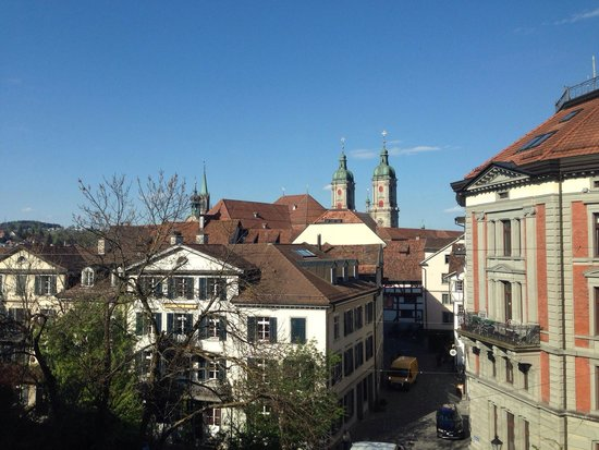 Einstein St.Gallen Hotel Congress Spa: Fantastic view - monastery of St.Gallen