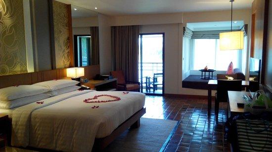 Outrigger Laguna Phuket Beach Resort: the lagoon view club room