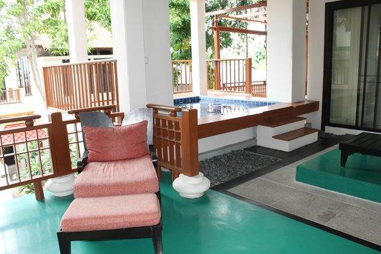 The Briza Beach Resort Samui : piscina