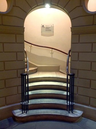 The Courtauld Gallery: The cleverly designed bottom of the staircase