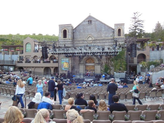 Saratoga Oaks Lodge: Toto at the Mountain Winery.