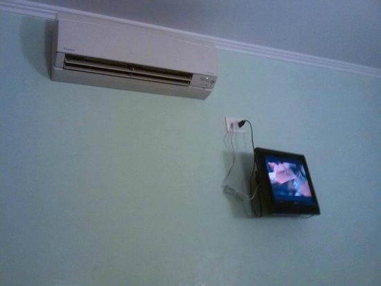 New Morpheus Rooms: Servizi tv e climatizzatore