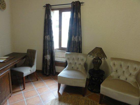 Tarangire Sopa Lodge: The sitting room