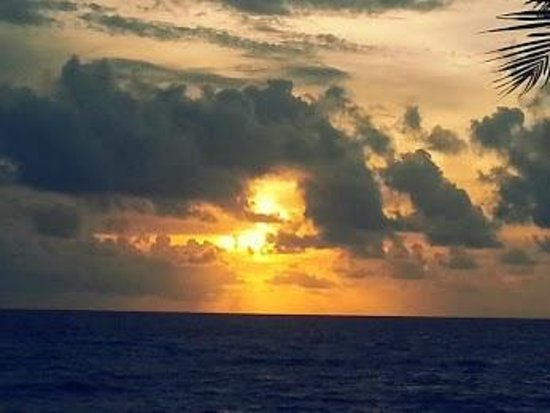 John D. MacArthur Beach State Park: Sun over the Atlantic