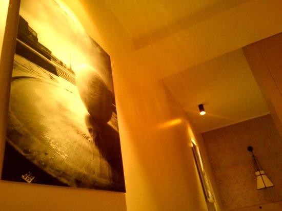 Starhotels Metropole: まるで美術館のような室内でした。