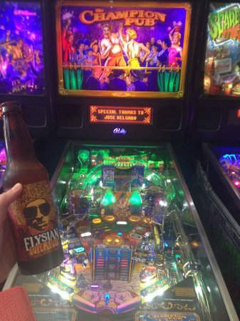 Seattle Pinball Museum: Craft beer and pinball, what more could you want?!