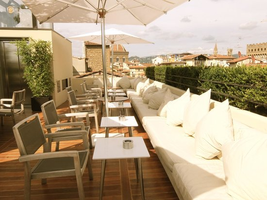 Continentale : Rooftop bar (during the day before the bar opens)