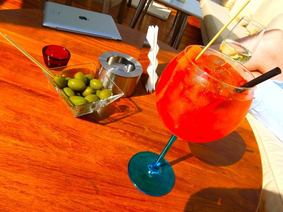 Continentale : Aperol Spritz at the rooftop bar