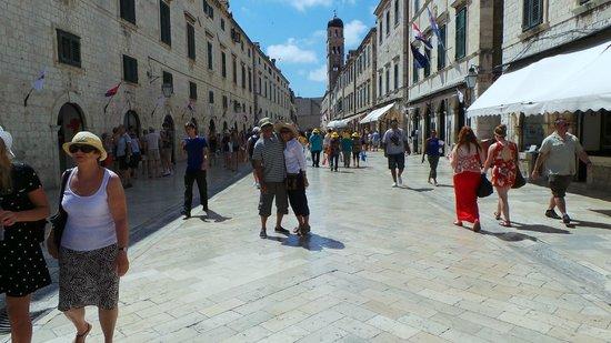 Old Town : Stradun street level