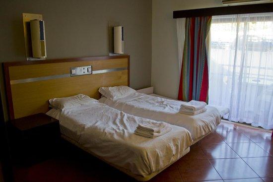 Hotel Paraiso de Albufeira: Beds