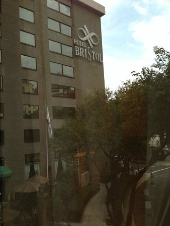 Hotel Bristol: zona segura y tranquila