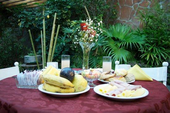 Bauen Suite Hotel: Desayuno