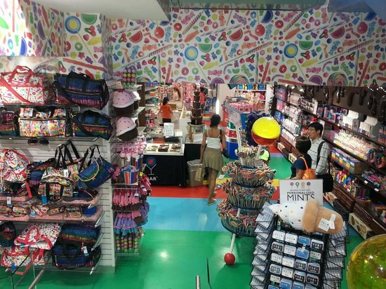 Dylan's Candy Bar : Interior