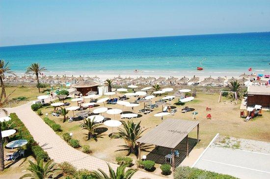 El Mouradi Mahdia: Пляж, лежаки надо занимать с раннего утра.