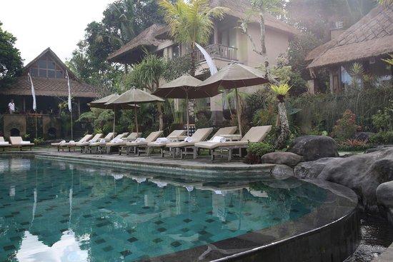 Puri Gangga Resort: Poolside