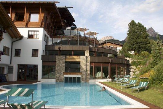 Gran Baita Sport & Wellness Hotel: piscina esterna
