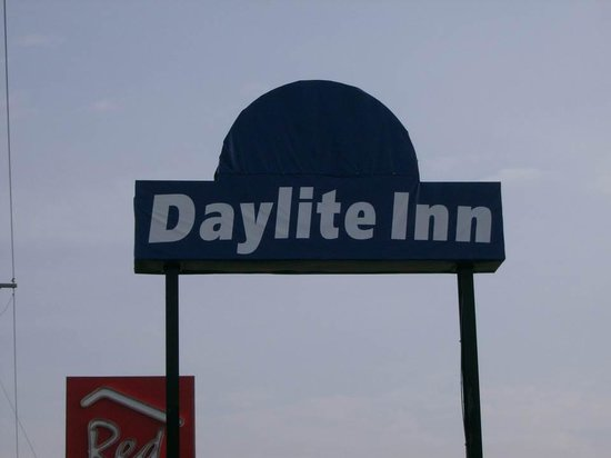 Day Light Inn: Property Misbranded - Hard to Find Travelodge