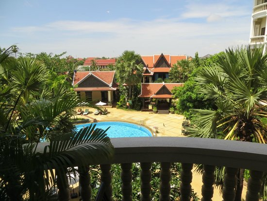 Borei Angkor Resort & Spa: Picina