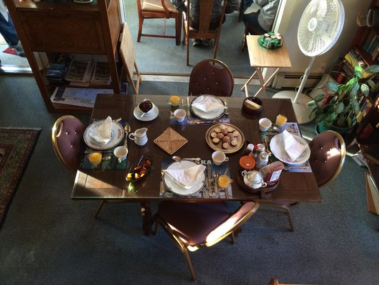 ah Rose Marie Bed and Breakfast : Breakfast spread. Not shown: toast and coffee stations.