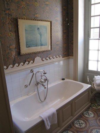 La Mirande Hotel : bathroom