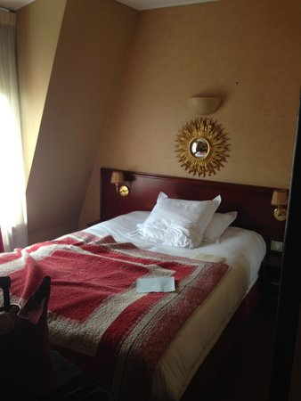 Hotel Britannique: Bed