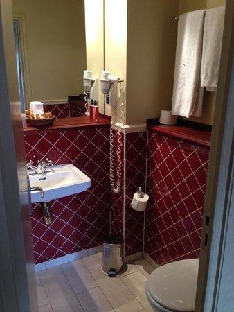 Hotel Britannique: Bathroom