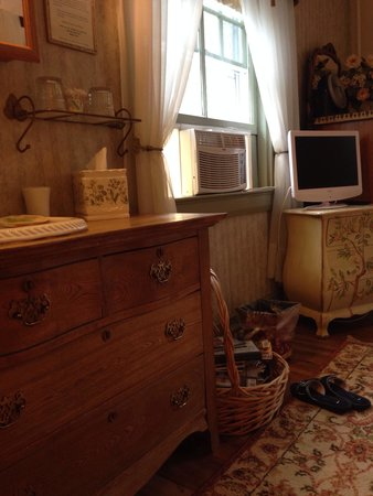Inn at Tanglewood Hall: Room #2