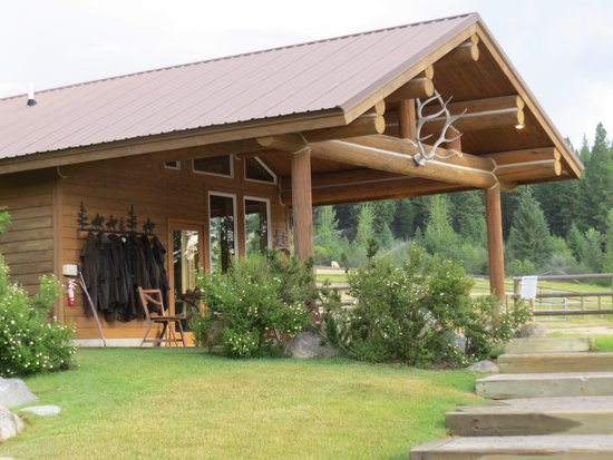 Triple Creek Ranch: Rider's Roost - where you can pan for sapphires